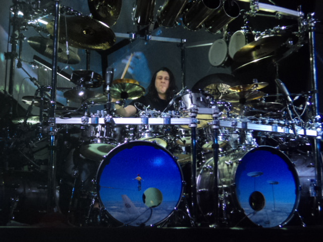 images/live-pic/2012_11/DreamTheater1.JPG