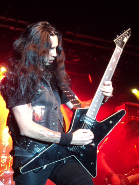 images/live-pic/Firewind1.JPG